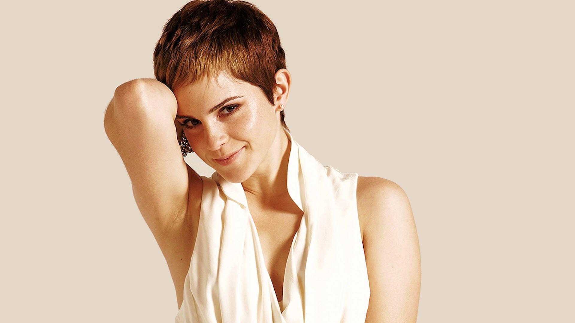 Emma Watson short Pixie Hair