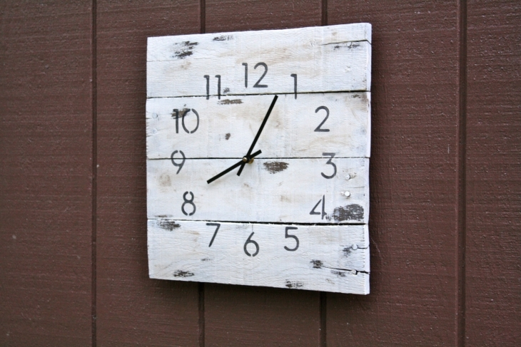 Classy Square Shaped Clock Idea