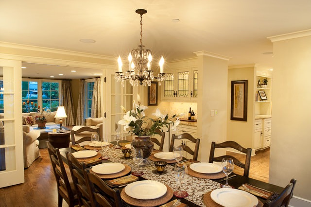 traditional moon dining room design