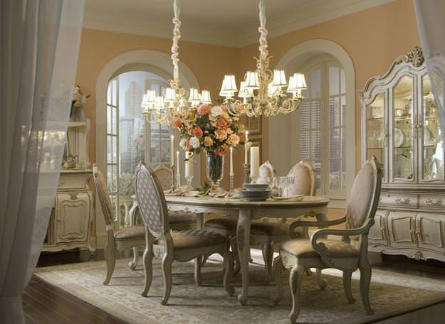 Traditional Style Dining Room Design
