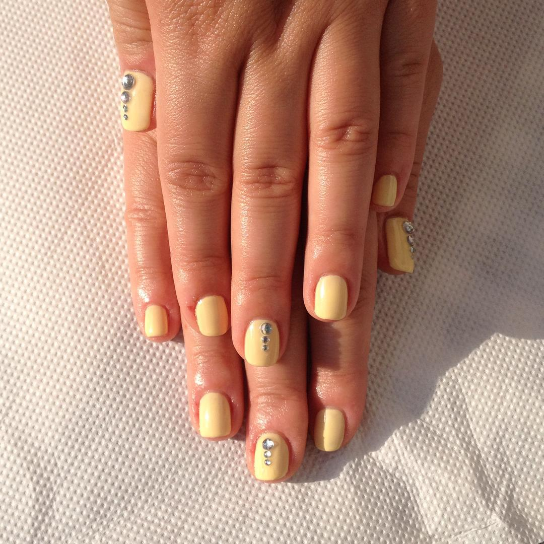Nice Color Spring Nail Design