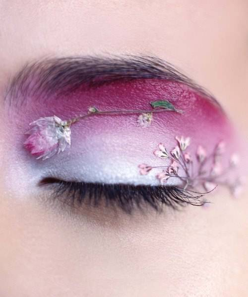 Purple Flower Cool Make Up Design