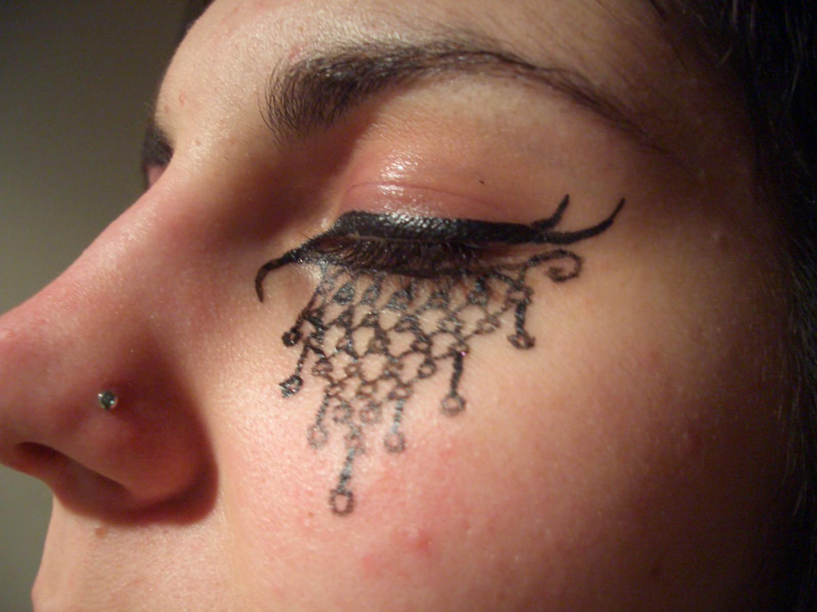 Gothic Cool Make Up Design