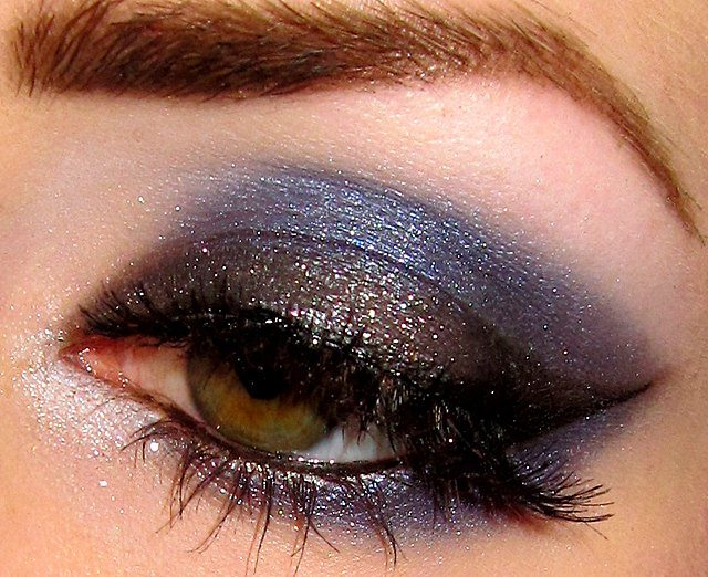 Cool Eyeshadow Make Up Design