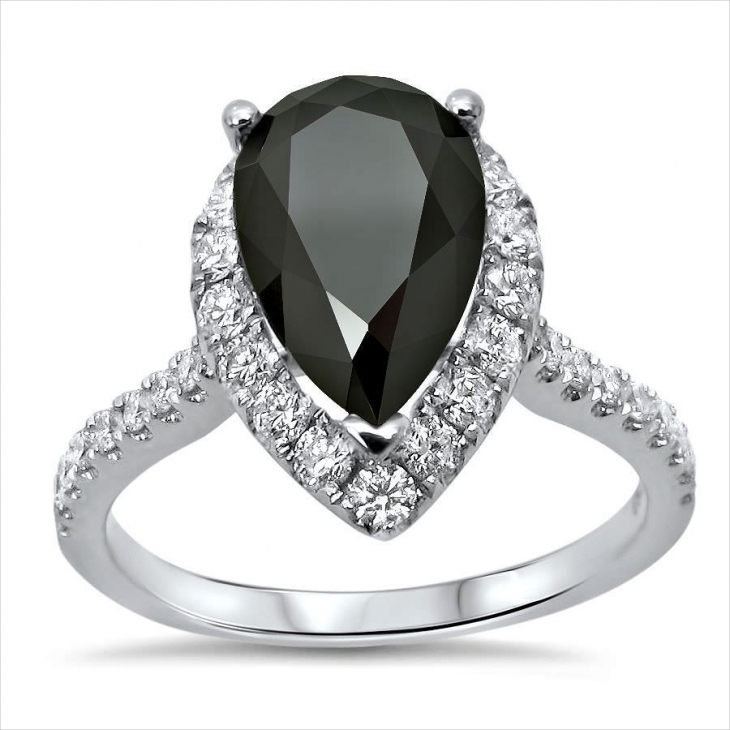 fancy pear diamond ring