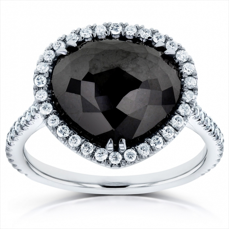 black and white pear diamond