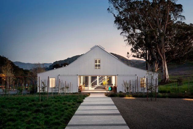 Evening FarmHouse Exterior Design