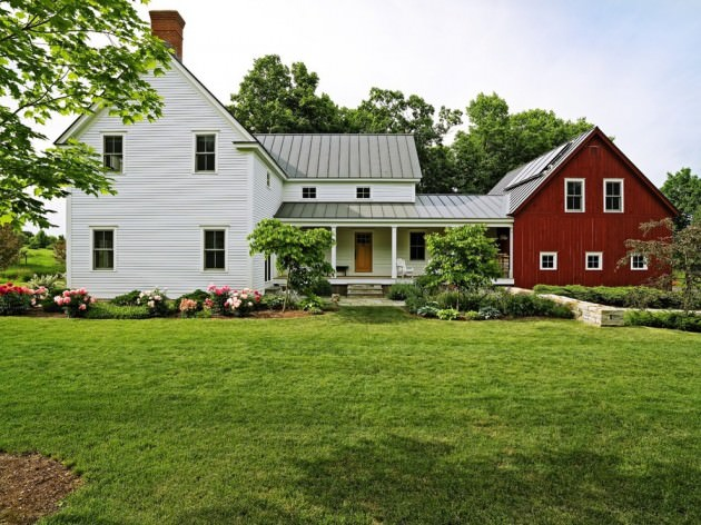FarmHouse Exterior Design With Garden