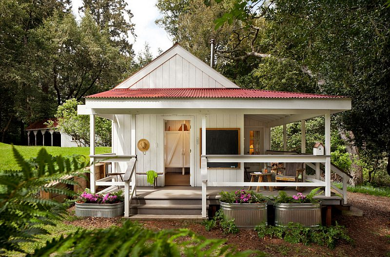 Small FarmHouse Exterior Design