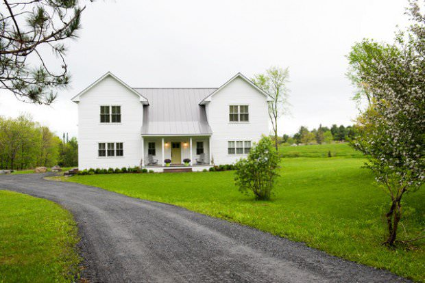 FarmHouse Exterior Design With Green