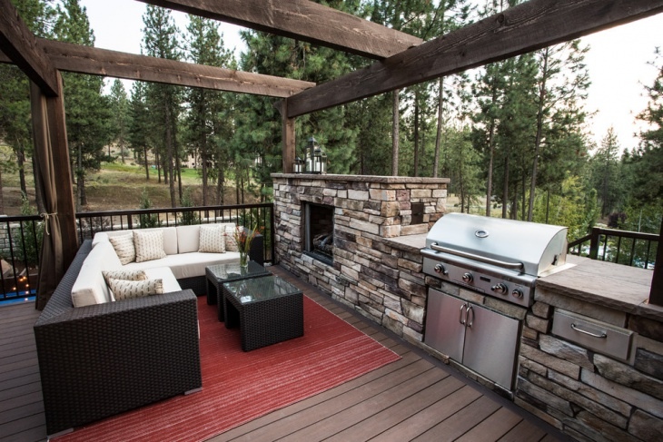 Transitional Home Deck Design