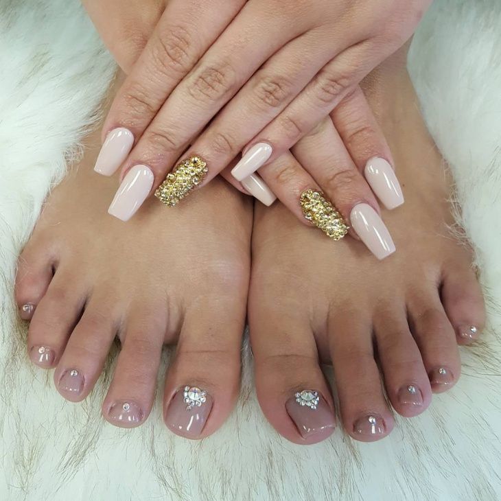Bling Toe Nail Design