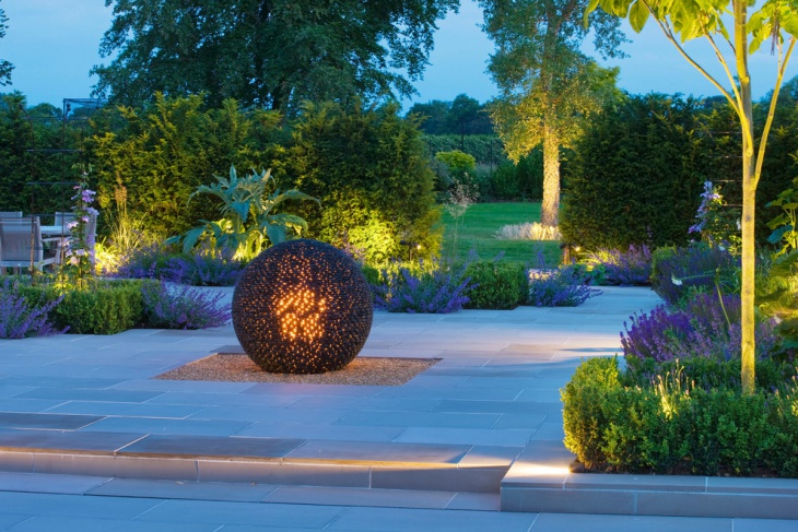 formal garden lighting idea