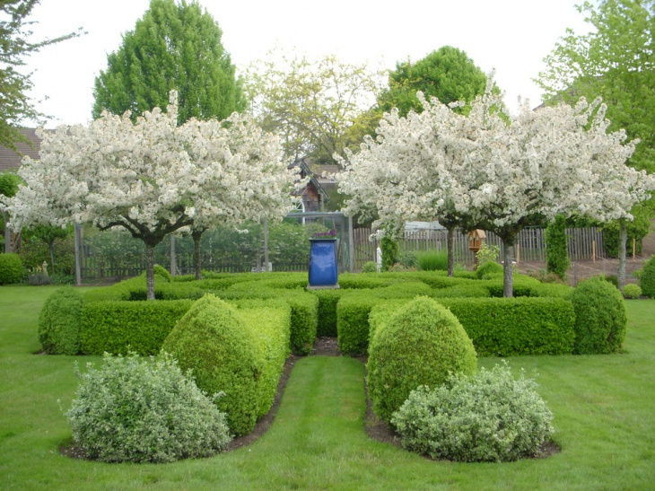 Formal Garden Design formal garden with lots of paths Simple Formal Garden Design