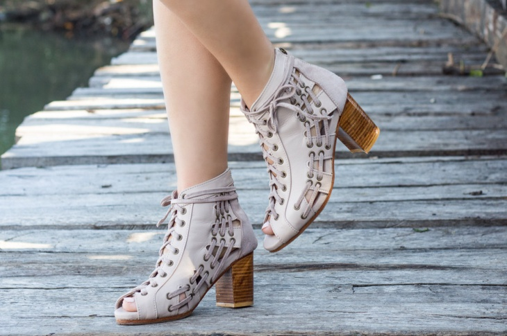 trendy leather heel boots for women