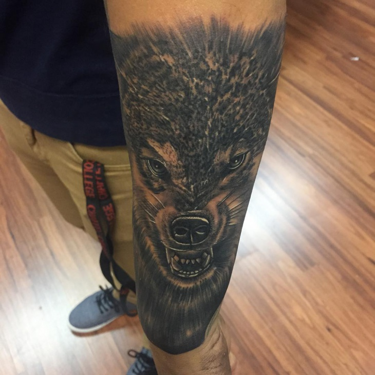 dark ink wolf tribal tattoo1