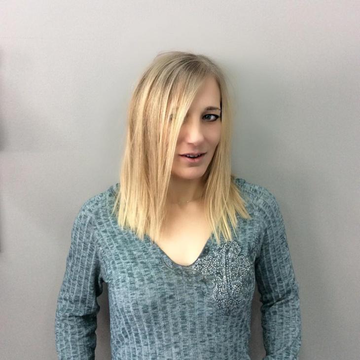 medium blonde haircut idea