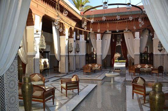 Expansive-Moroccan-patios-for-homes