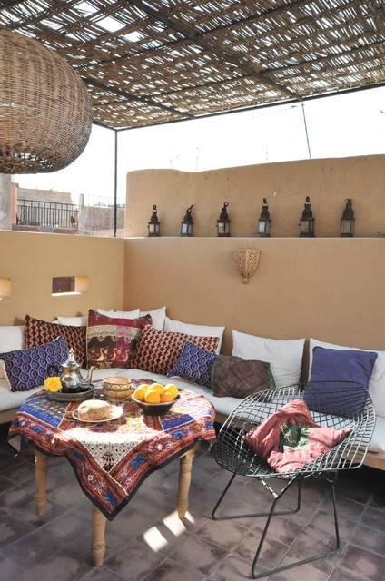 1Mediterranean moroccan-patio