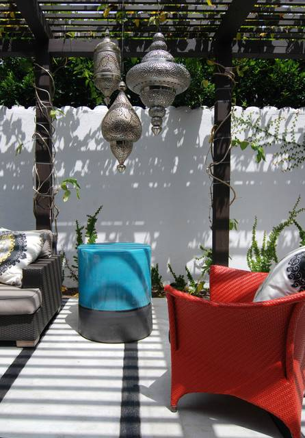 2moroccan contemporary patio