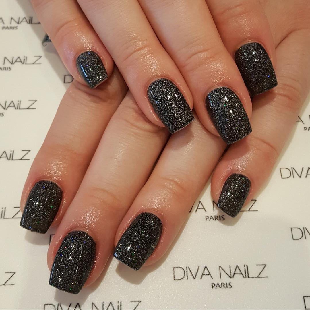 amazing black nail design