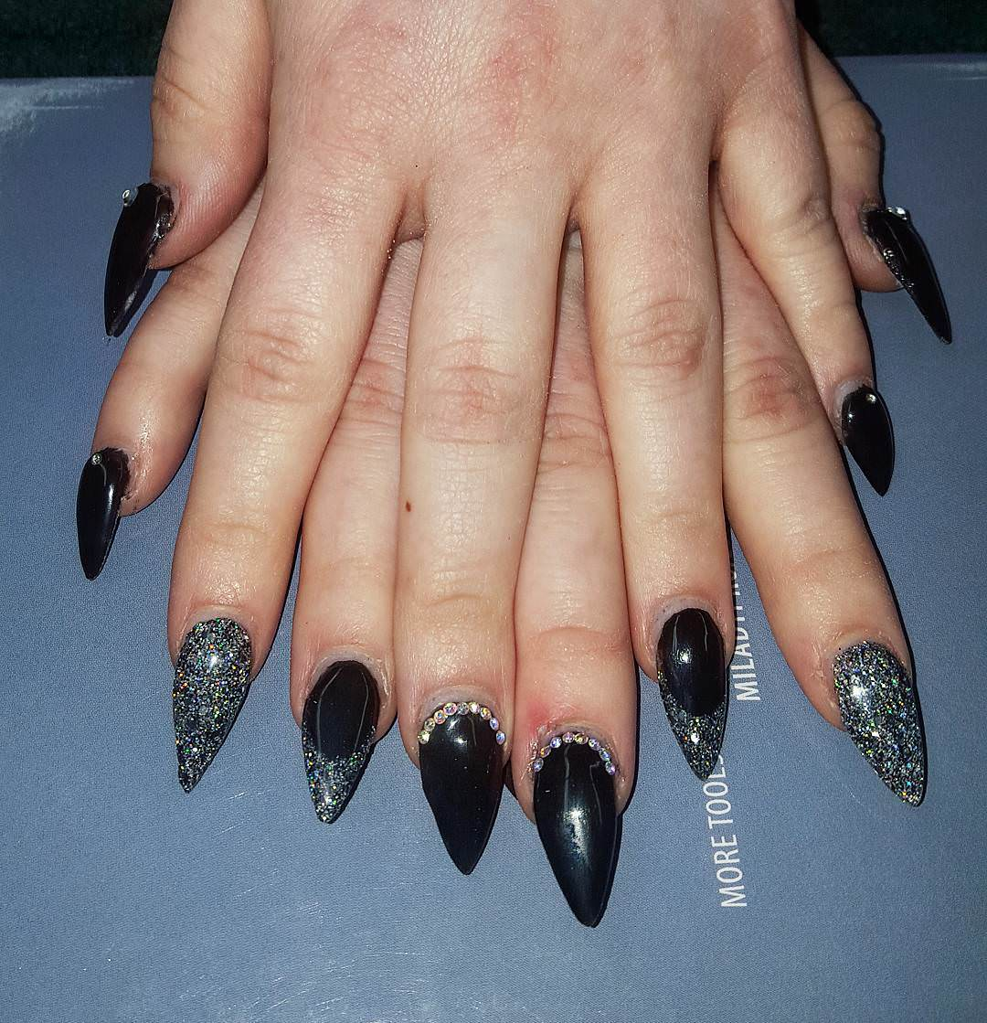 beautiful black nail art for women