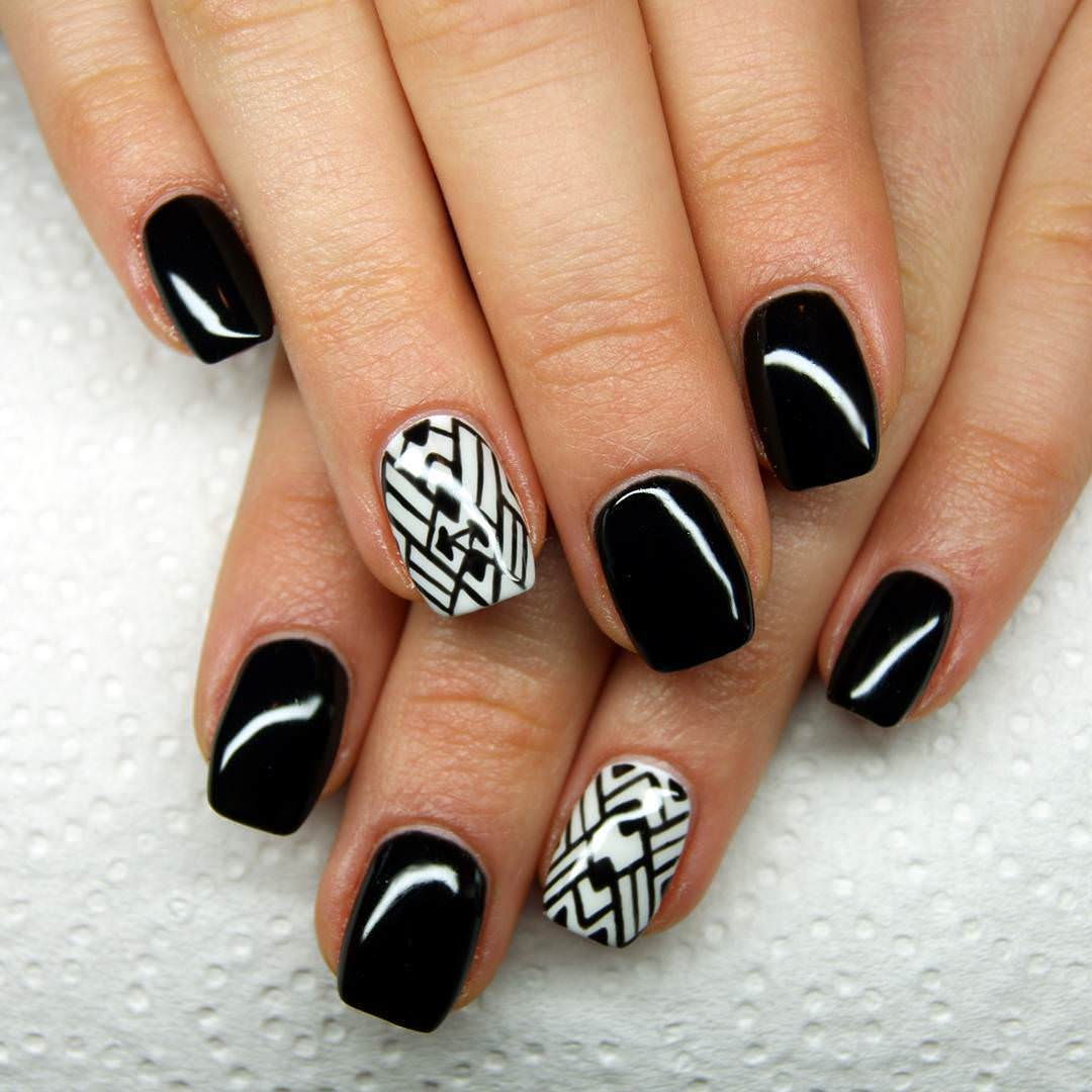 lines design black nail art