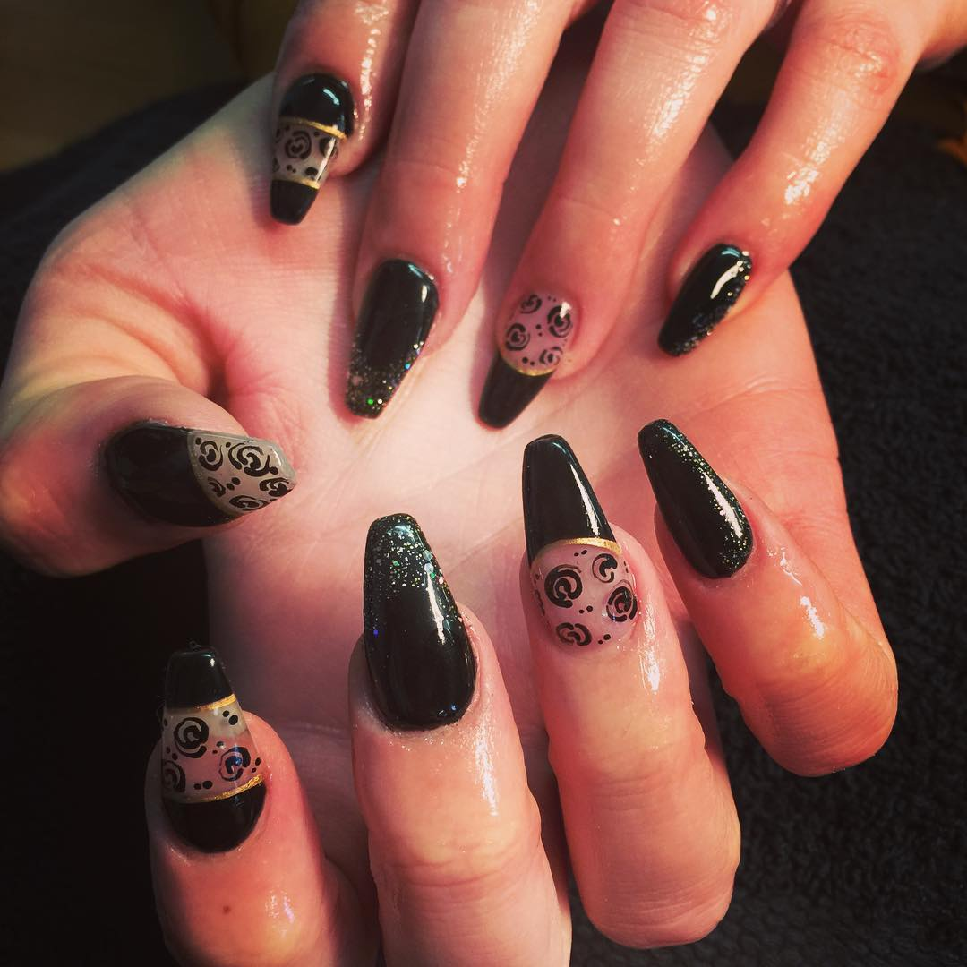 lovely black nail art