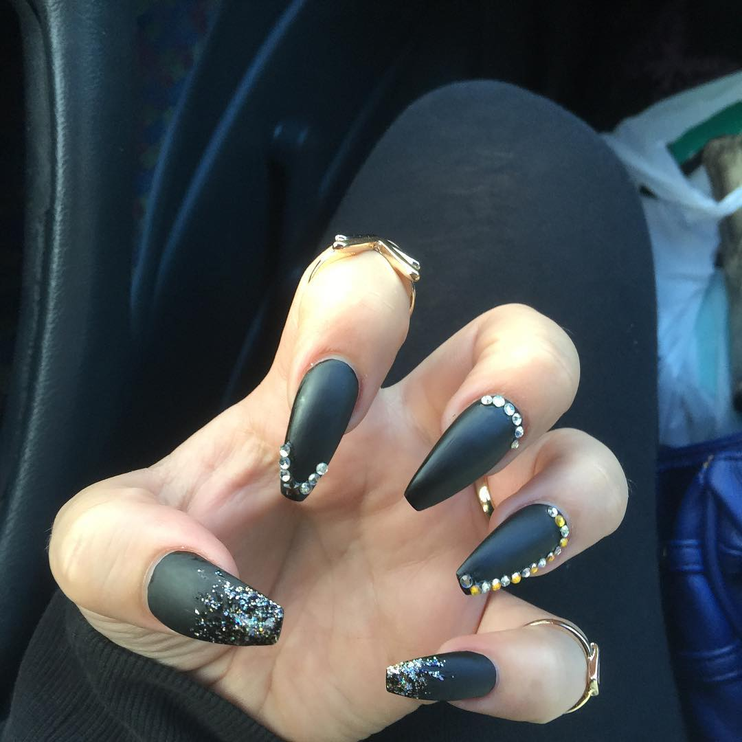 wonderful black nail design