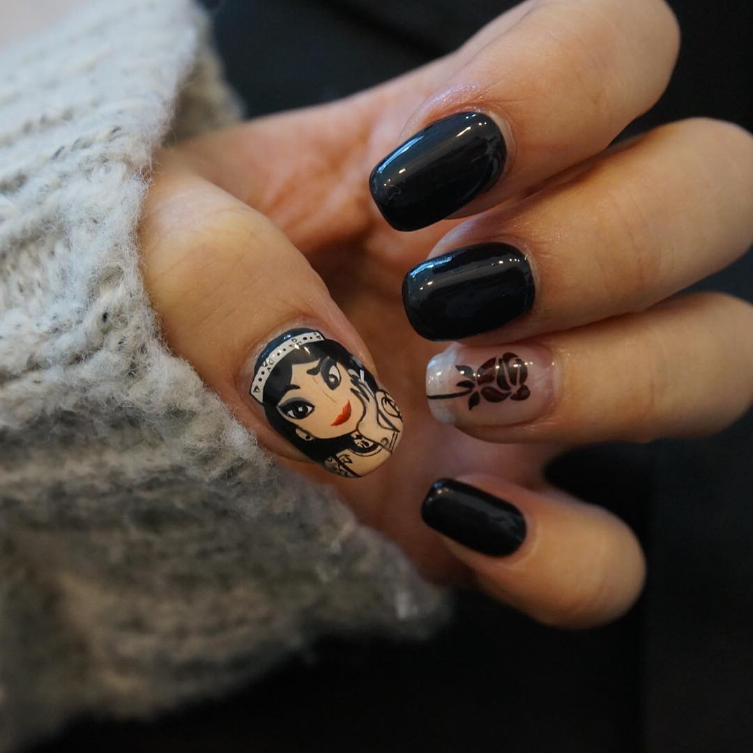 Attractive Black Nail Art