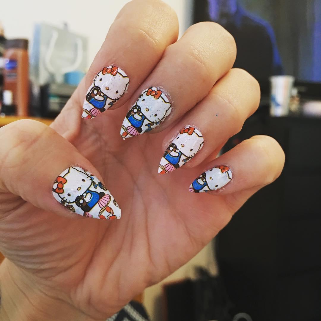 hellokitty nail design