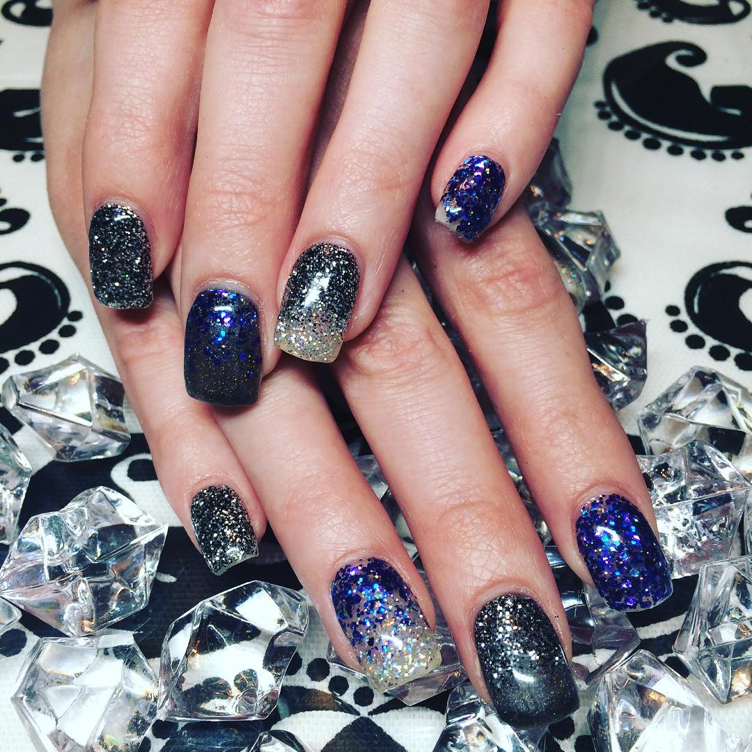 Attractive Glitter Nail Design