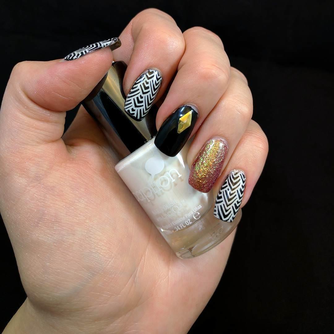 designed glitter nail art