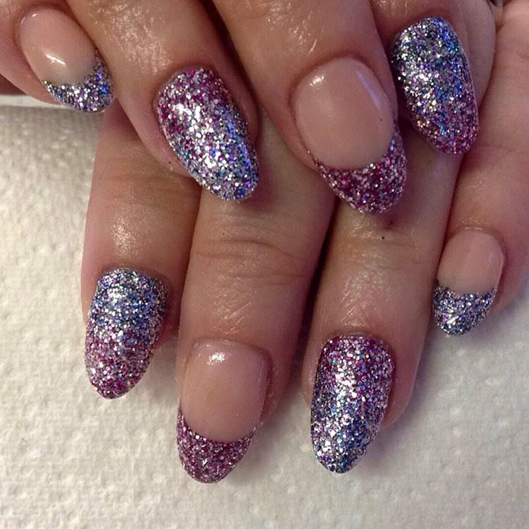 Fashionable Glitter Nail Art