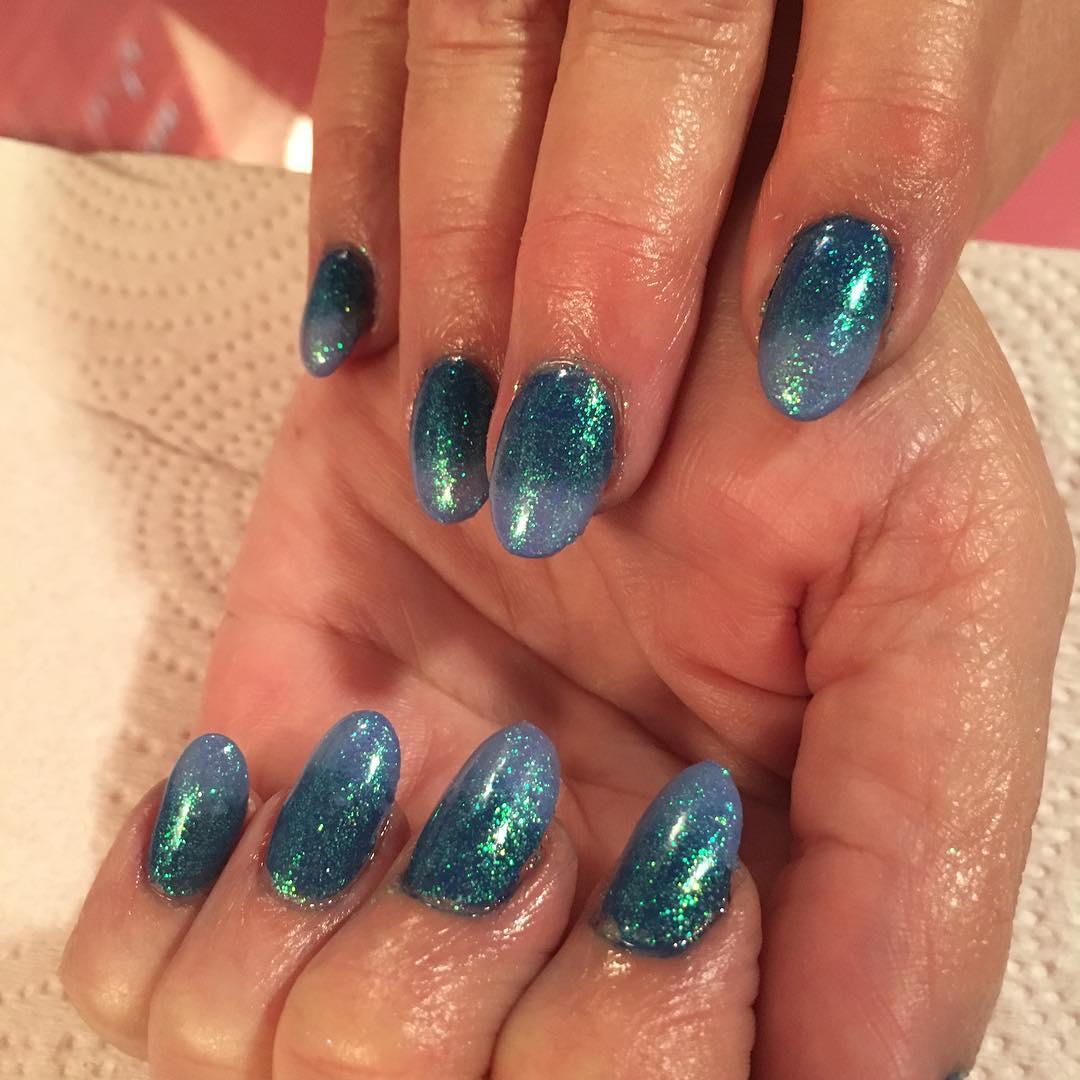 glitter design nail art