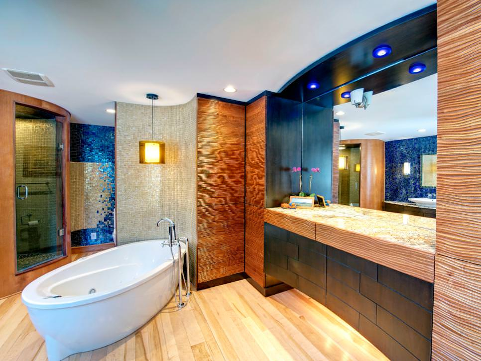 contemporary spa bathroom with pine hardwood floor