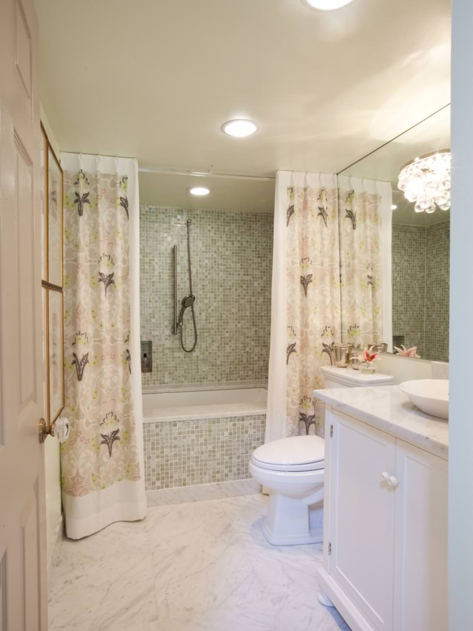 18 bathroom curtain designs decorating ideas design for Show bathroom designs