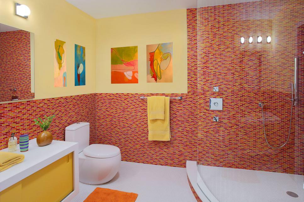 Modern yellow Kids Bathroom