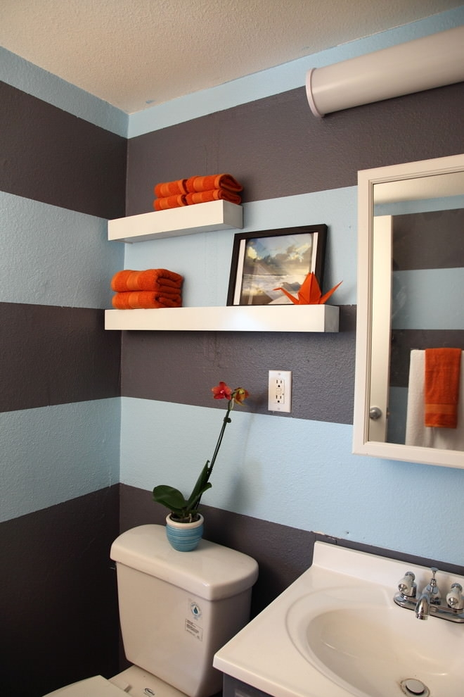 Colorful bathroom with white shelves