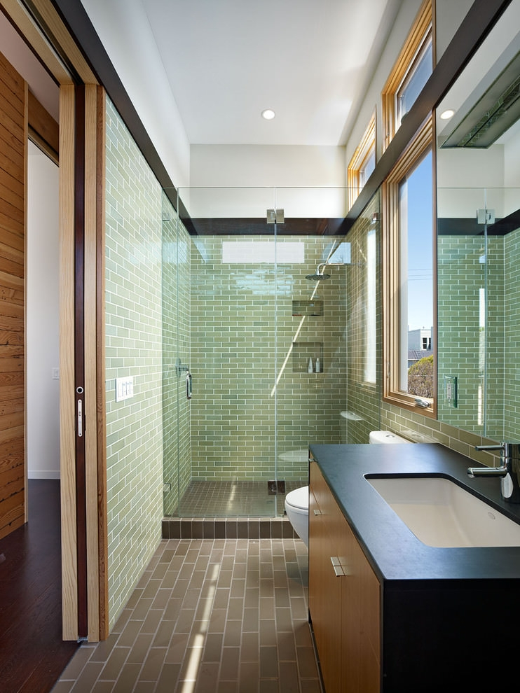 Green narrow bathroom design