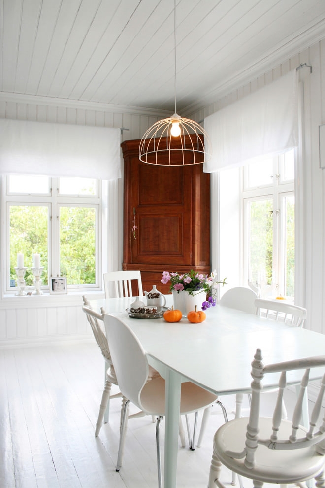 Bright white scandinavian dining room
