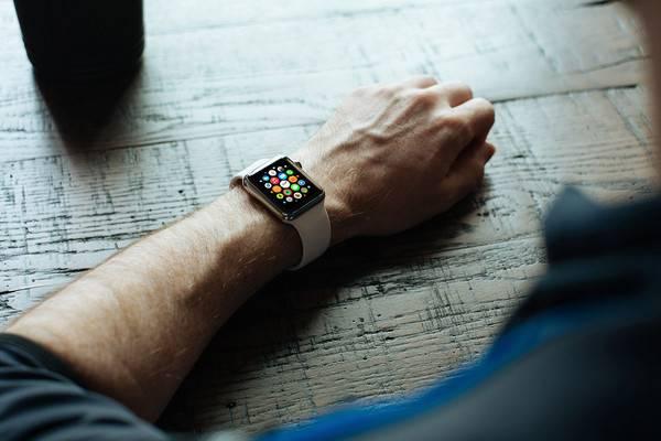 Apple Watch on Wrist Mockup1