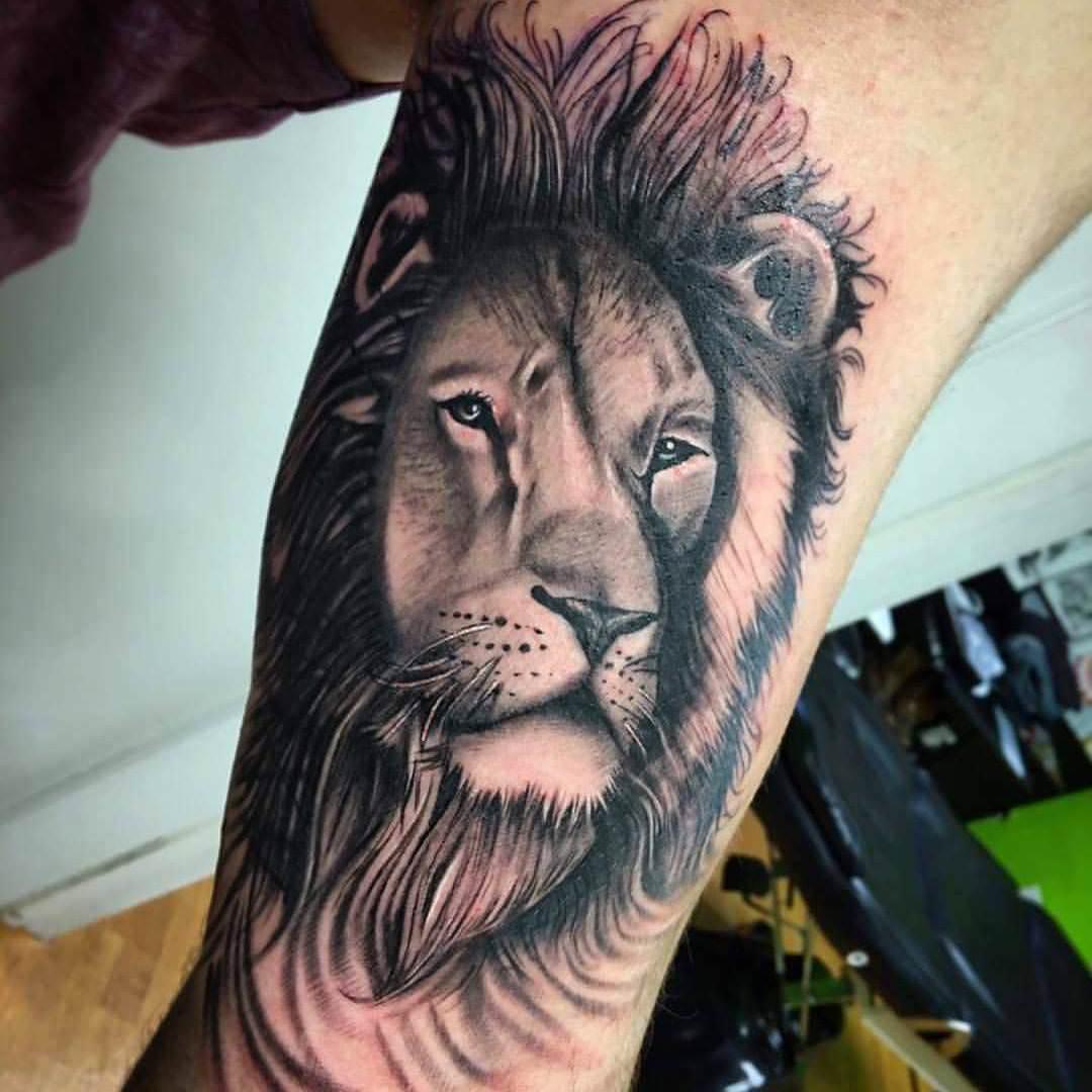 Realistic Tattoo Design
