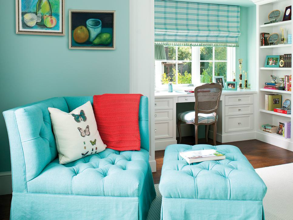 Bedroom Sitting Area With Blue Corner Chair