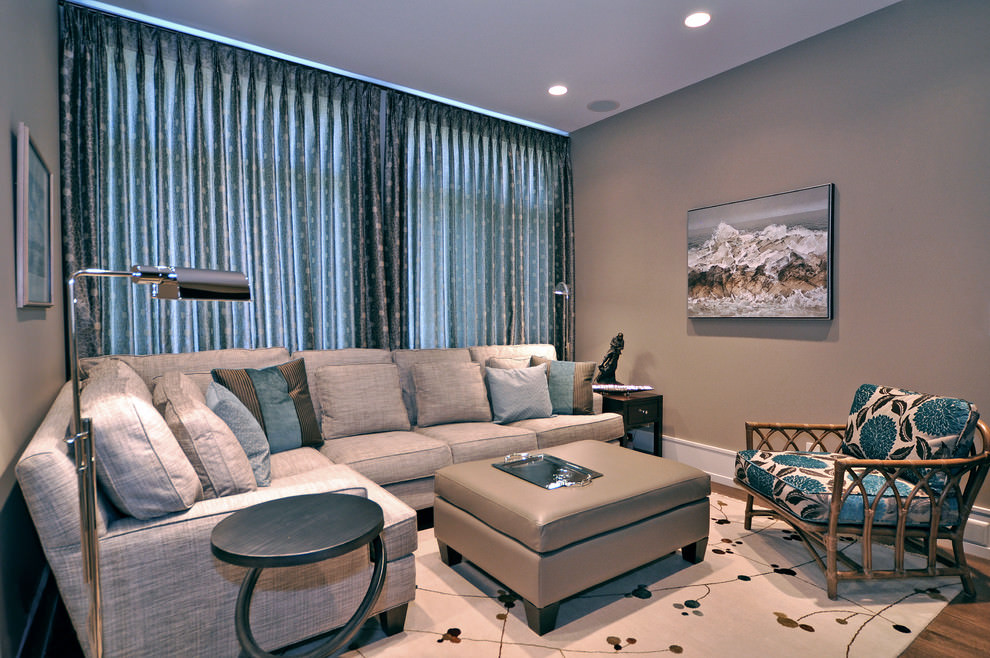 Royal sofa design in family room