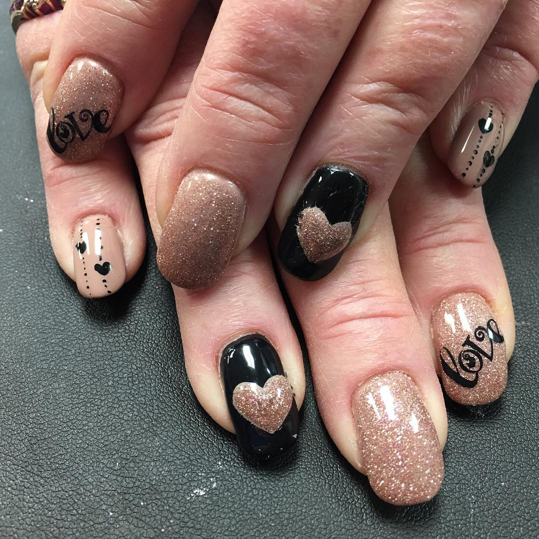 gold nail design