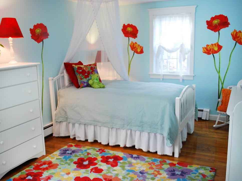 Kids Bedroom With Poppy Wall Paint Art Design