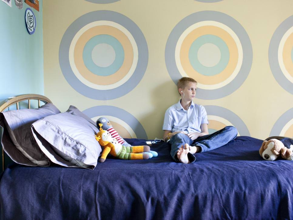Tween Bedroom With Bull's Eye Focal Wall paint design