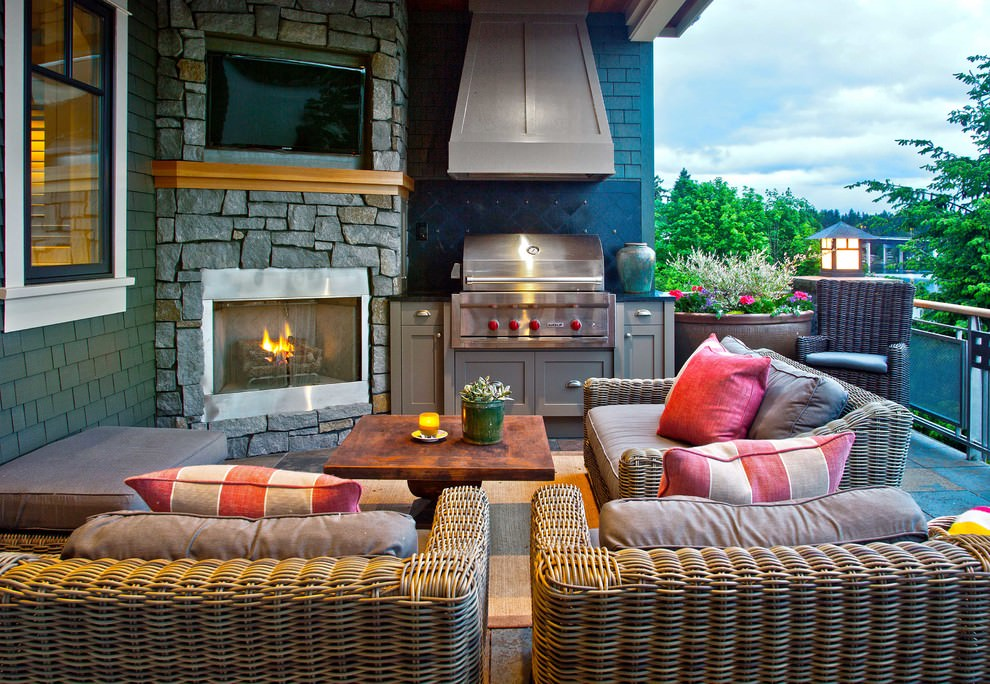descent traditional patio outdoor room design