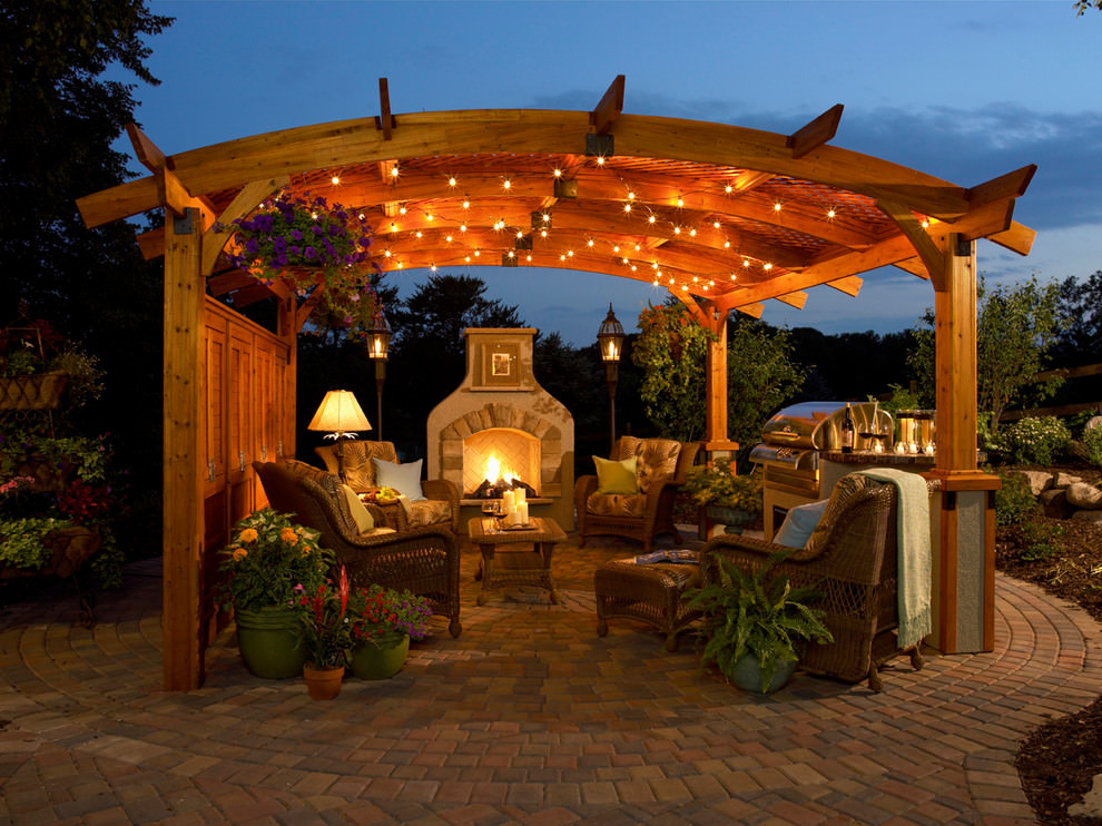 Traditional patio design with round chairs